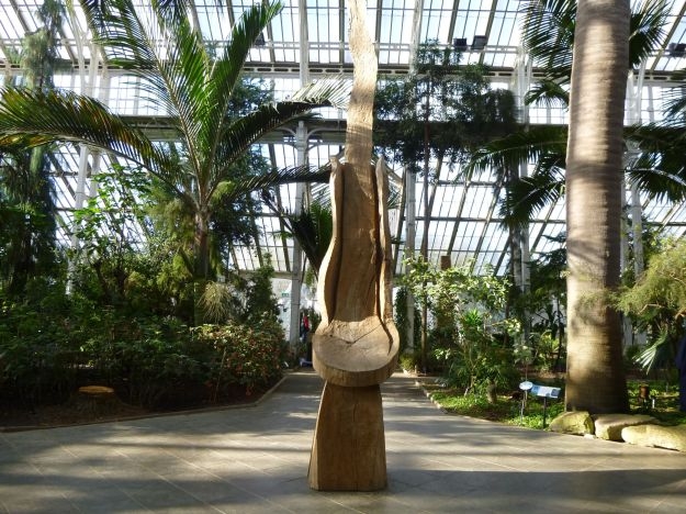 David Nash sculpture at Kew