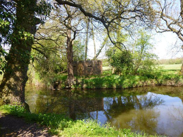 London slant Medway River