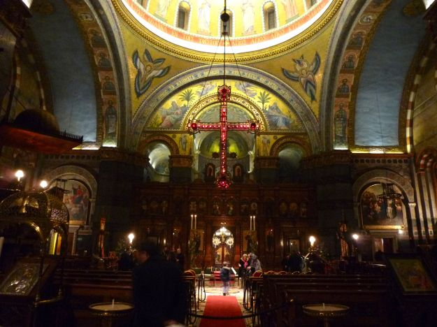 London Greek cathedral nave