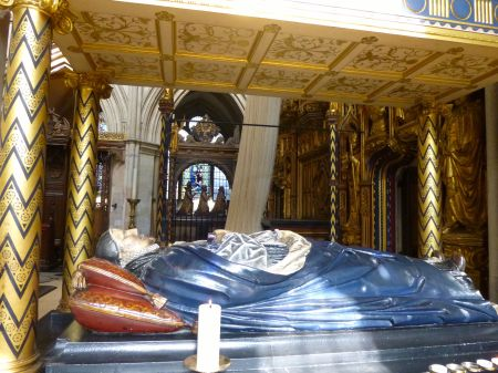 Tomb in Southwark Cathedral